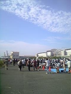 C72コミケ朝の東館待機列